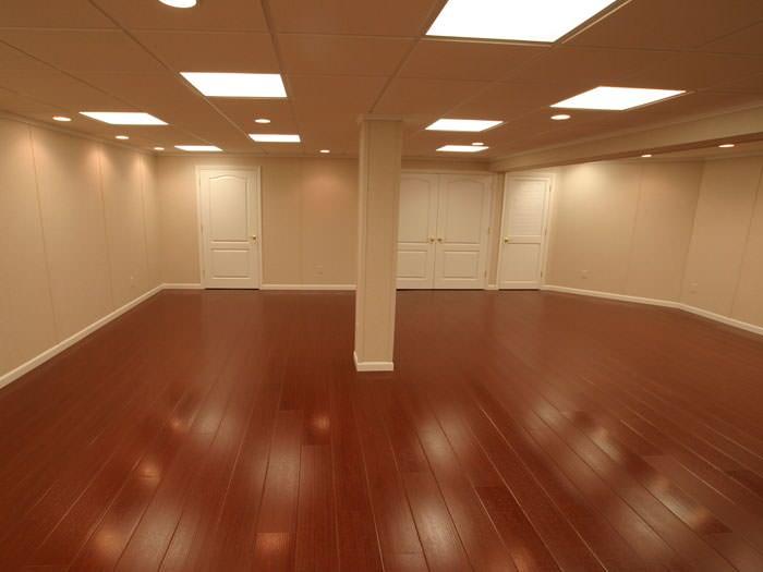 Wood laminate basement floor finishing in st louis for Hardwood floors st louis